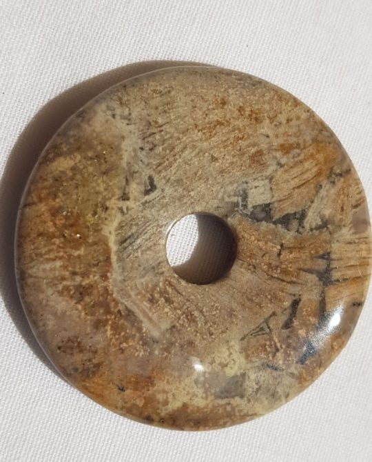 Pi en jaspe brechiforme