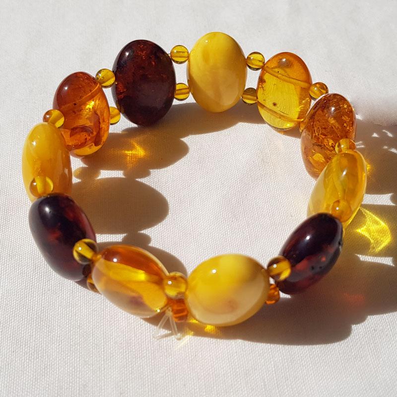 bracelet en perles ovales en Ambre