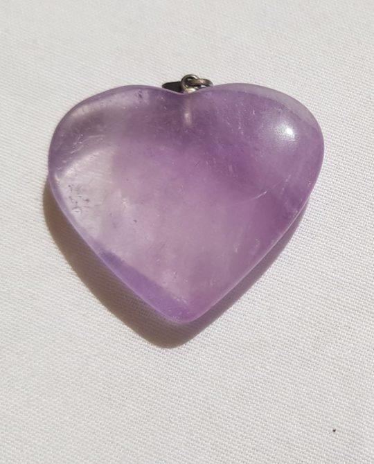 pendentif en forme de coeur en améthyste