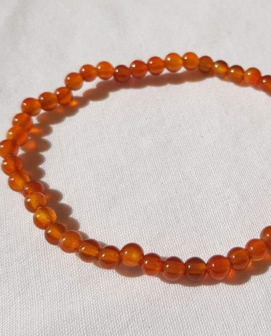 bracelet en perles rondes en cornaline