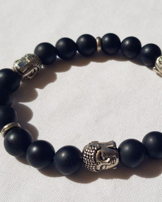 bracelet en perle en onyx mat et têtes de bouddha